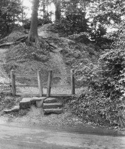 J24 A Warwick 'V' stile and steps – Kenilworth Common 1927