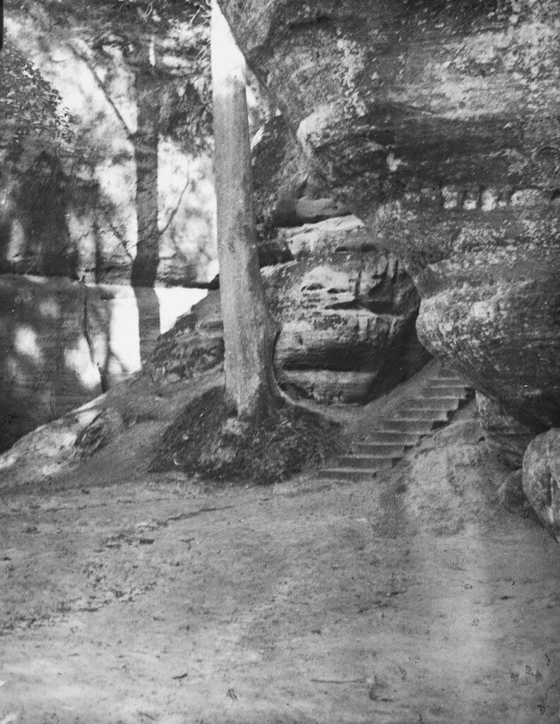 M109-Stone-steps-in-rock