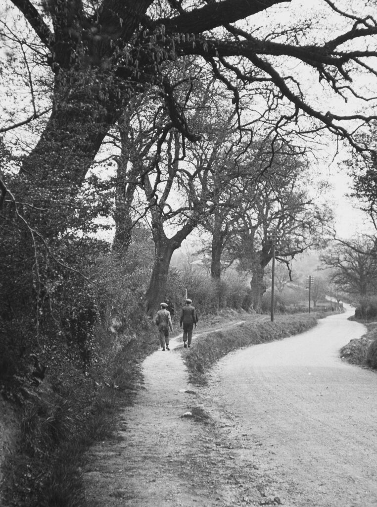L64-An-Essex-lane-1927